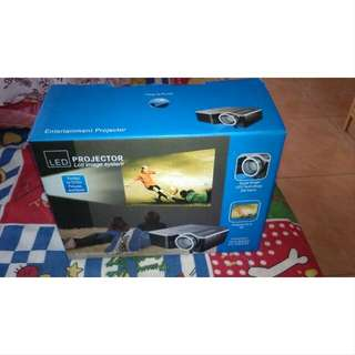 Unic Portable LED Projector