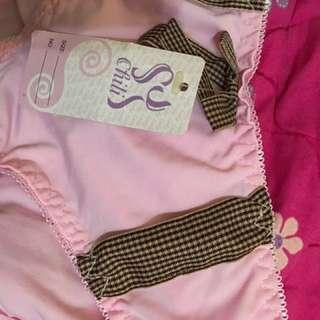 🚚 粉色內褲