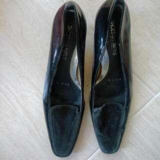 Shoes Unlimited Black