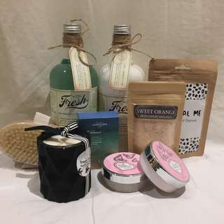 *reduced* Luxury Bath Pamper Set