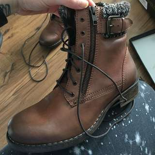 Ravella LEATHER Size 8.5 Winter Boots
