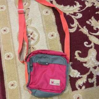 Lecaf Sling Bag