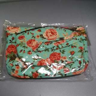 2 make up pouch
