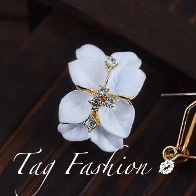 2017 New Hot ! Fashion Fine Jewelry Gold Color Elegant Double Gardenias Flowers Rhinestones Paint Stud Earrings