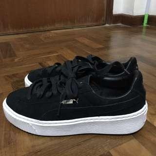 PUMA 厚底黑白鞋 麂皮23 Cm