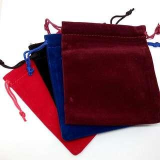 🚚 絨布飾品收納袋 四色方形袋 手鐲項鍊耳環小物品收納