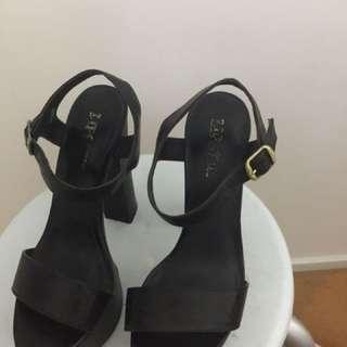 Black Lipstik Heels