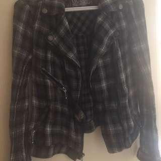 Guess zippered shirt/light jacket