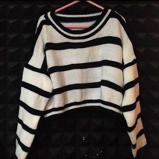 黑白橫間短版長袖冷衫上衣