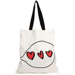 🇬🇧ASOS英國空運 戀愛情人節 少女愛心手繪感 布面大方包 方便肩背/手提/購物帶 現貨米白色