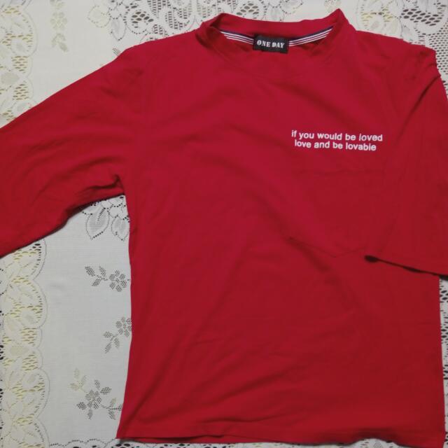 五分袖紅色上衣
