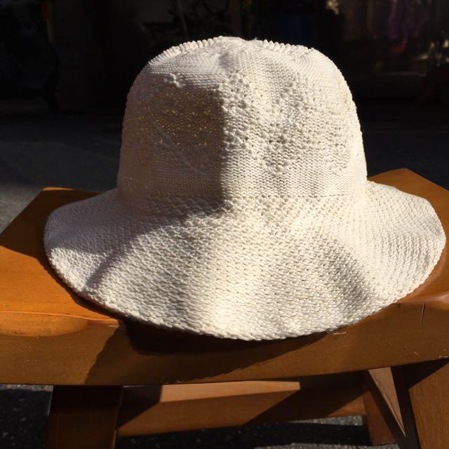 白色漁夫帽