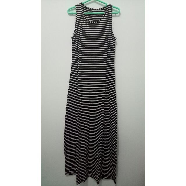 Baju terusan motif garis / long dress