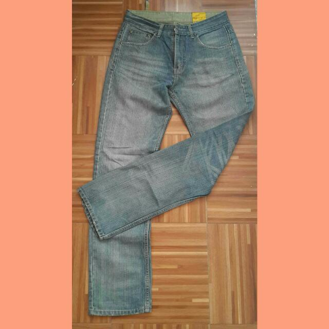 Bench straight cut pants