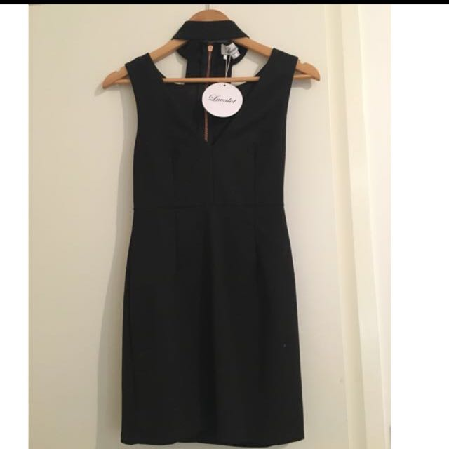 Black Bodycon Tight Dress With Neck Choker
