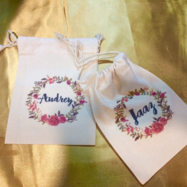 CUSTOMIZED CANVASS POUCH