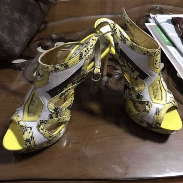 High Heels Branded (mimco)