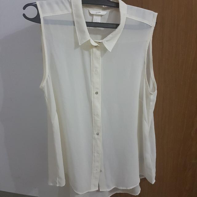 H&M Sleeveless White Shirt
