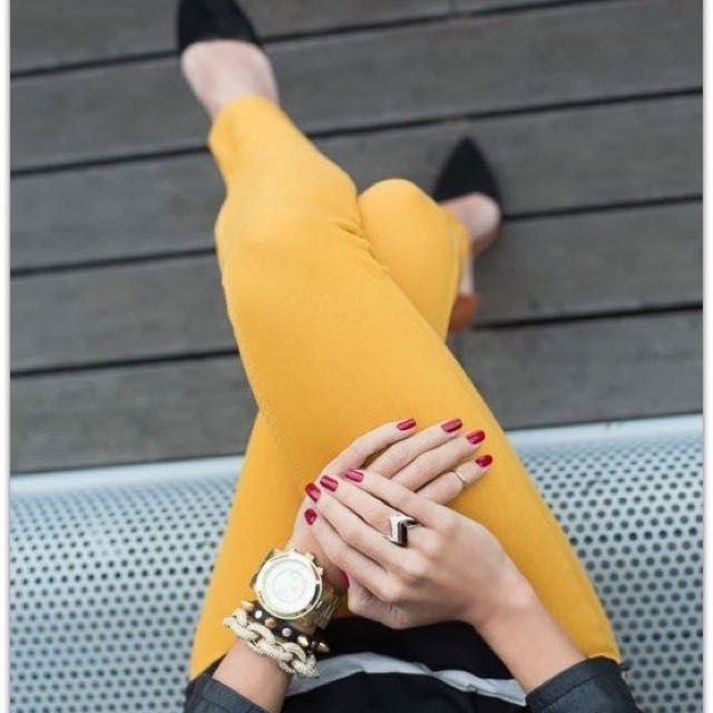 HUE Brand Jeggings Mustard Yellow
