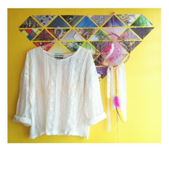 Lace Longsleeves Top