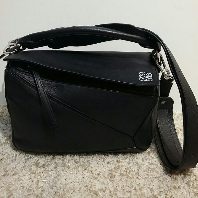 8a618e1d83d4 Loewe Small Black Puzzle Bag, Luxury, Bags & Wallets on Carousell