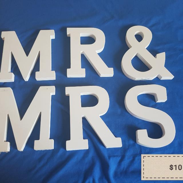 MR  & Mrs Woodern Sign