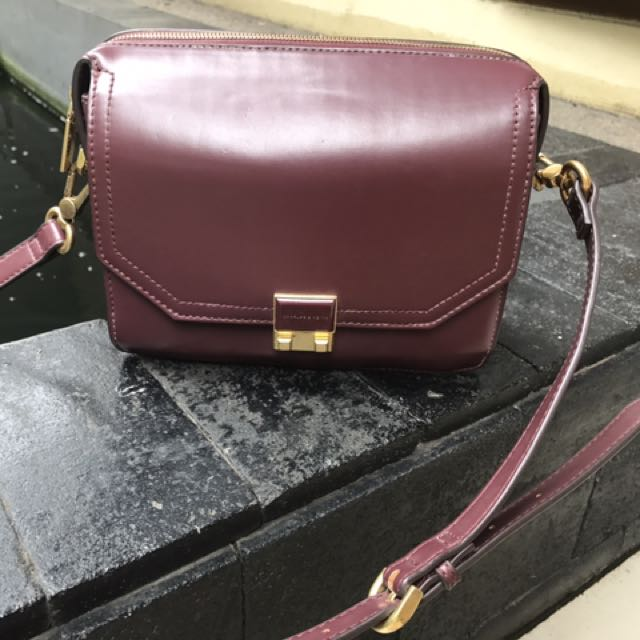 Tas Charles And Keith (maroon)