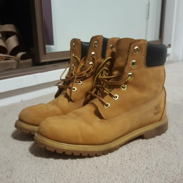 Timberlands Size 10W