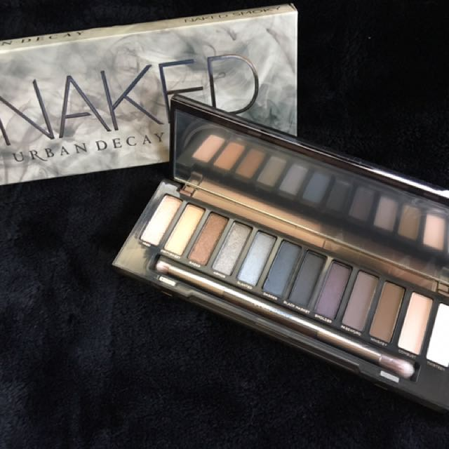Urban Decay Naked Smokey Eye Palette REPRICED: now only 2,199 (prev 2,499)
