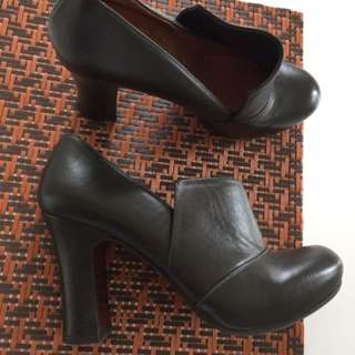 Black Leather Shoes With Chunky Heels Size 36