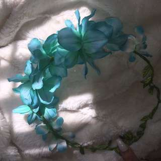 Pretty Blue Flower Crown
