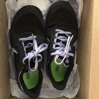 Women's Nike Free Run 5.0 Size 7