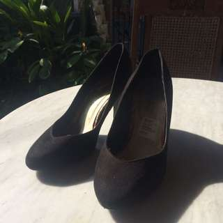 NEW LOOK's Black High Heels