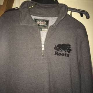 Roots V-neck Zip Up