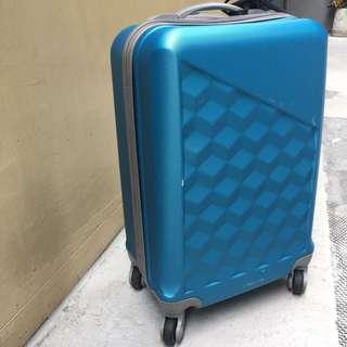 藍色小行李箱