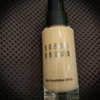 全新 Bobbi Brown Skin Foundation