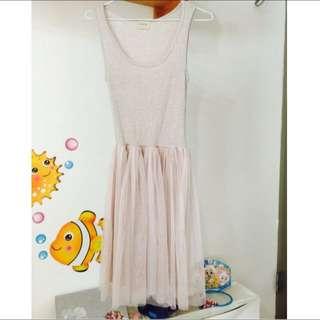 賴小脆背心式連身紗裙