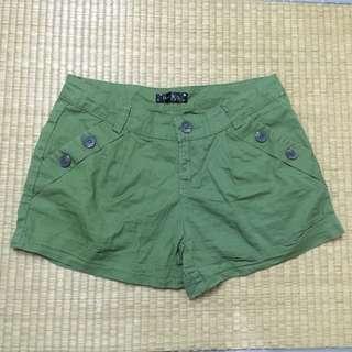 🚚 贈品🌼墨綠短褲