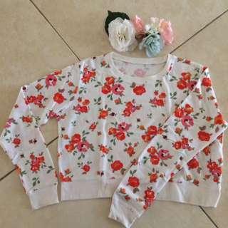 White Flowery Crop Sweatshirt