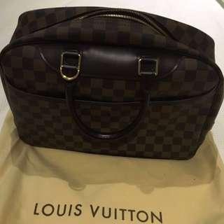 100% Authentic Louis Vuitton Deauville Damier