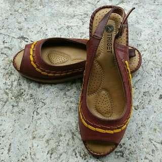 Sepatu Sendal TRISET