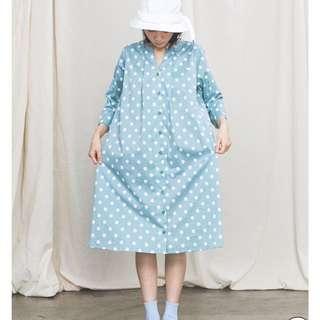 E-WEAR 點點小V領開襟襯衫洋裝罩衫 藍色