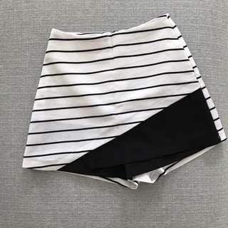 Preloved MDS Striped Skorts