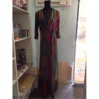 BN Elegant Striped Long-Sleeved Floor-Length Dress