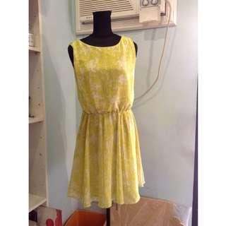 Uniqlo Yellow-Green Sleeveless Dress Size S