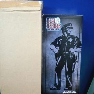 1/6 ACTION FIGURES. ERTL TOYS COLLECTIBLES. REAL HEROES. Top Cop Policeman $70.