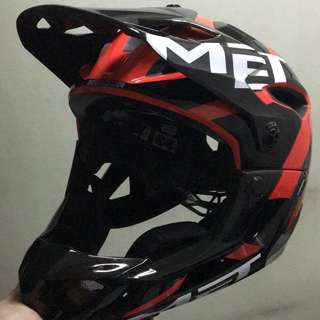 Met Parachute 2017 Model Full Face Helmet