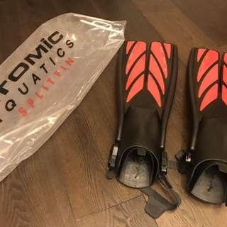 Atomic 分岔蛙鞋(紅色L)