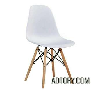 NEW White dsw chair ( CASH & CARRY )