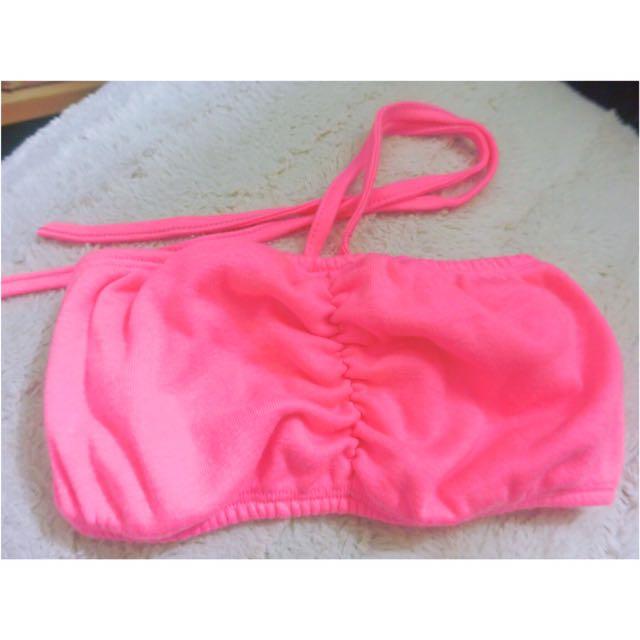 度假風海邊螢光粉色鬆緊罩杯繞頸扭結蝴蝶結綁帶小可愛/半截背心比基尼